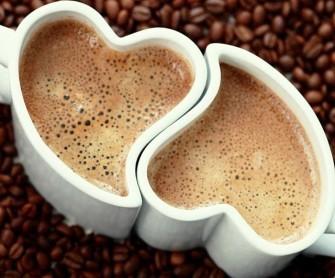 heart-shaped-coffee-mugs-640x533